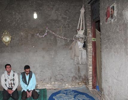 تصویر احمدی نژاد بر روی دیوار خانه مردم خرمشهر